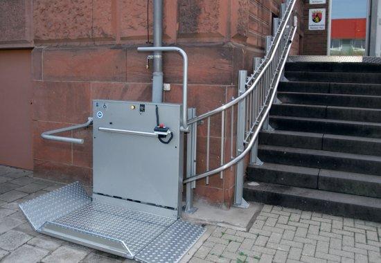 Rampe de acces pentru persoanele cu dizabilități