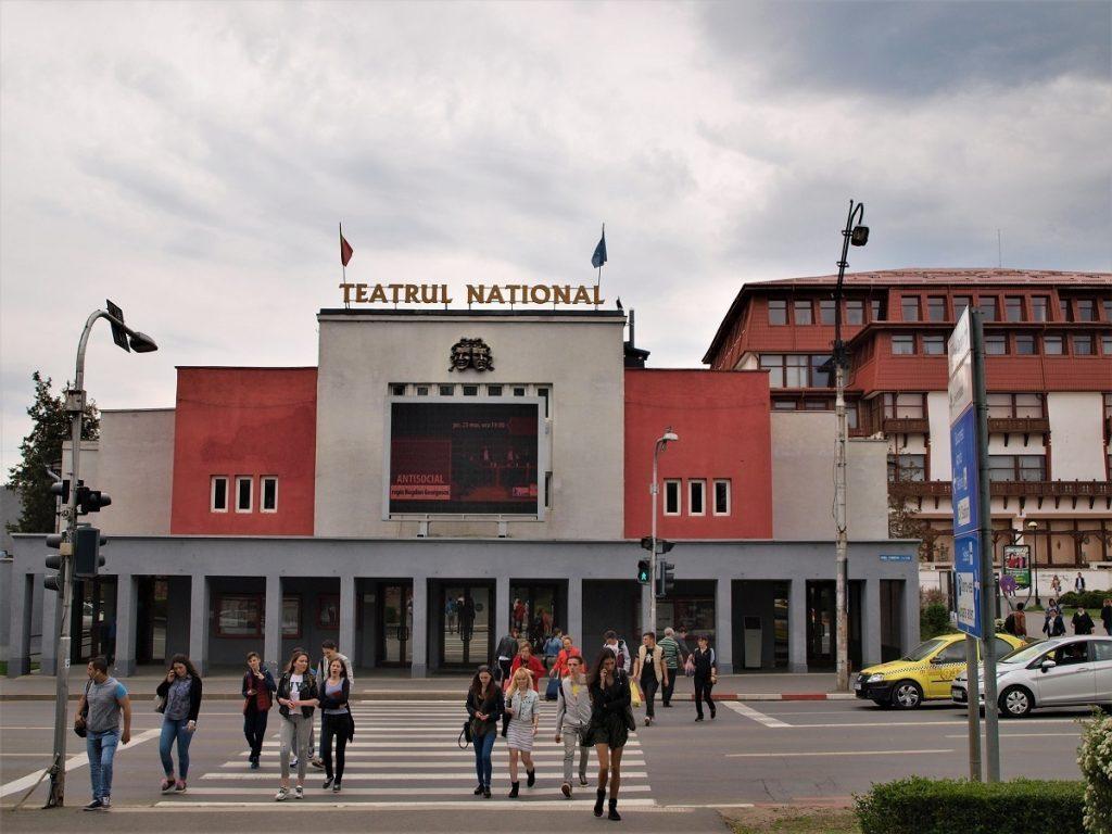 Ce le poate oferi Sibiul iubitorilor de teatru?