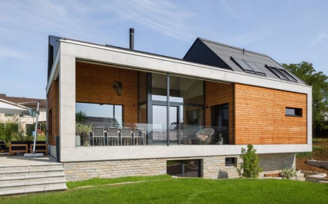 Casa modernă elvețiană pe doua nivele